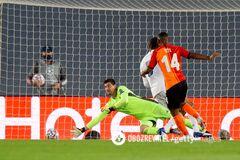 Игрок 'Шахтера', дебютировавший в ЛЧ, рассказал о 'мандражике' в матче с 'Реалом'