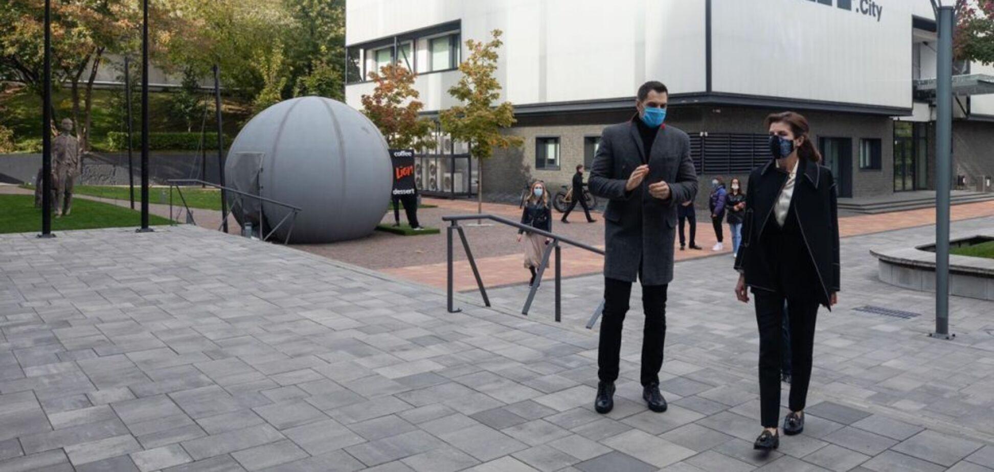 Марина Порошенко посетила Unit City