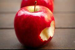Червоне яблуко