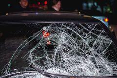 У Дніпрі авто збило жінку на пішохідному переході. Фото з місця ДТП