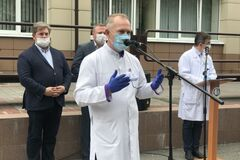 В Днепре Зе-кандидат Рыженко согнал людей на акцию в свою поддержку