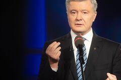 Влада зрадила українських лікарів, – Порошенко