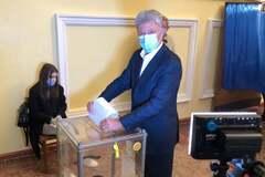 Бойко проголосовал в Рубежном на Донбассе