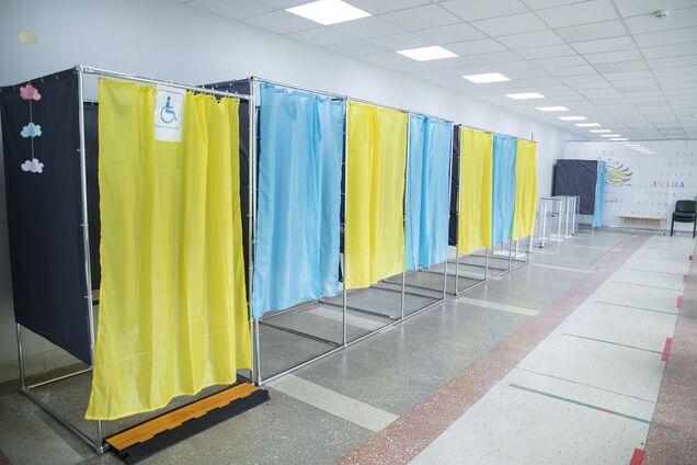 На избирательном участке в Киеве зафиксированы нарушения