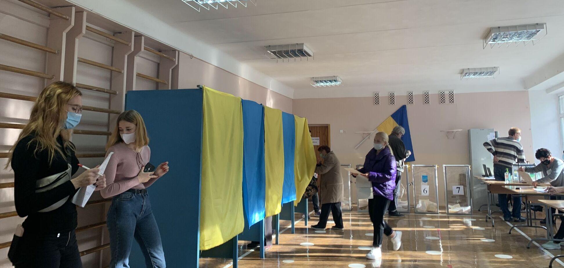 Явка виборців, за даними 'Слуги народу', склала 16%