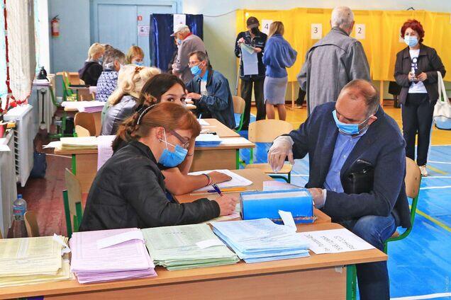В Одессе на выборах мэра лидирует Геннадий Труханов