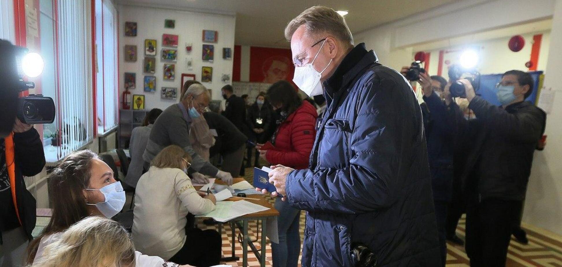 Садовой лидирует на выборах мэра