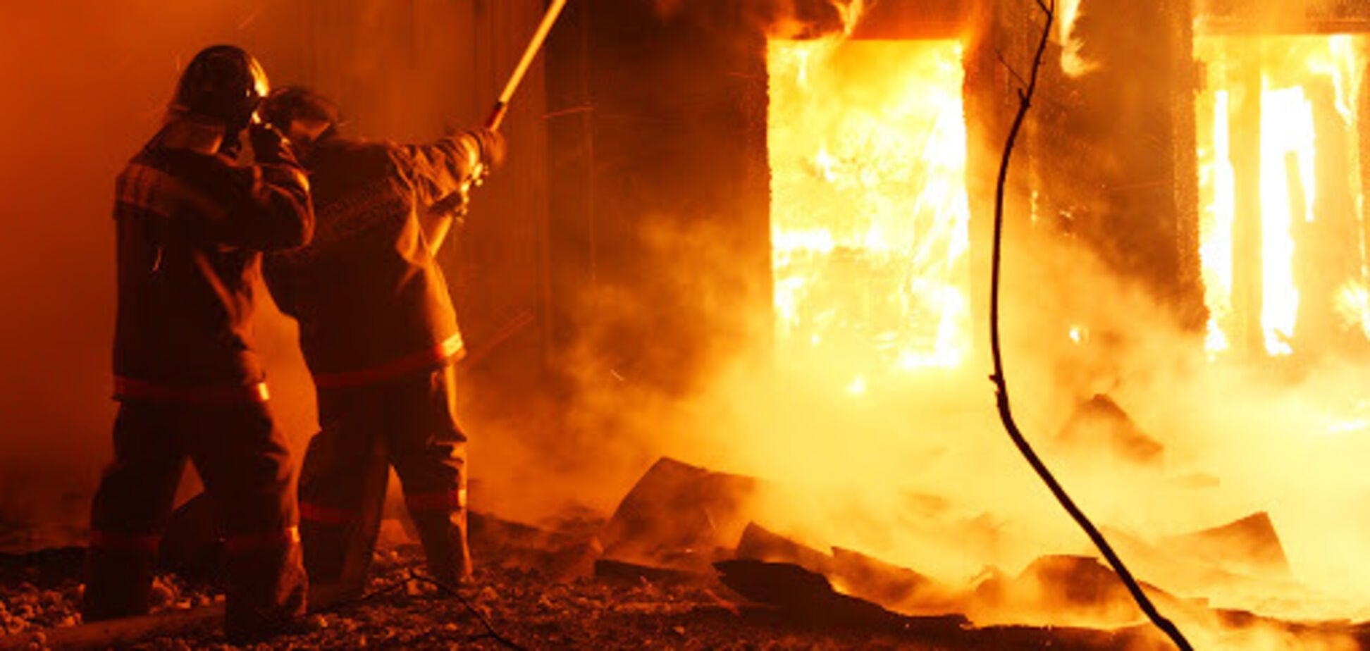 Под Днепром мужчина погиб при пожаре в собственном доме. Видео с места ЧП