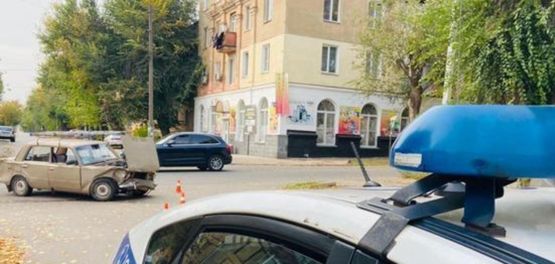 В Кривом Роге из-за столкновения легковушек пострадали два человека. Фото
