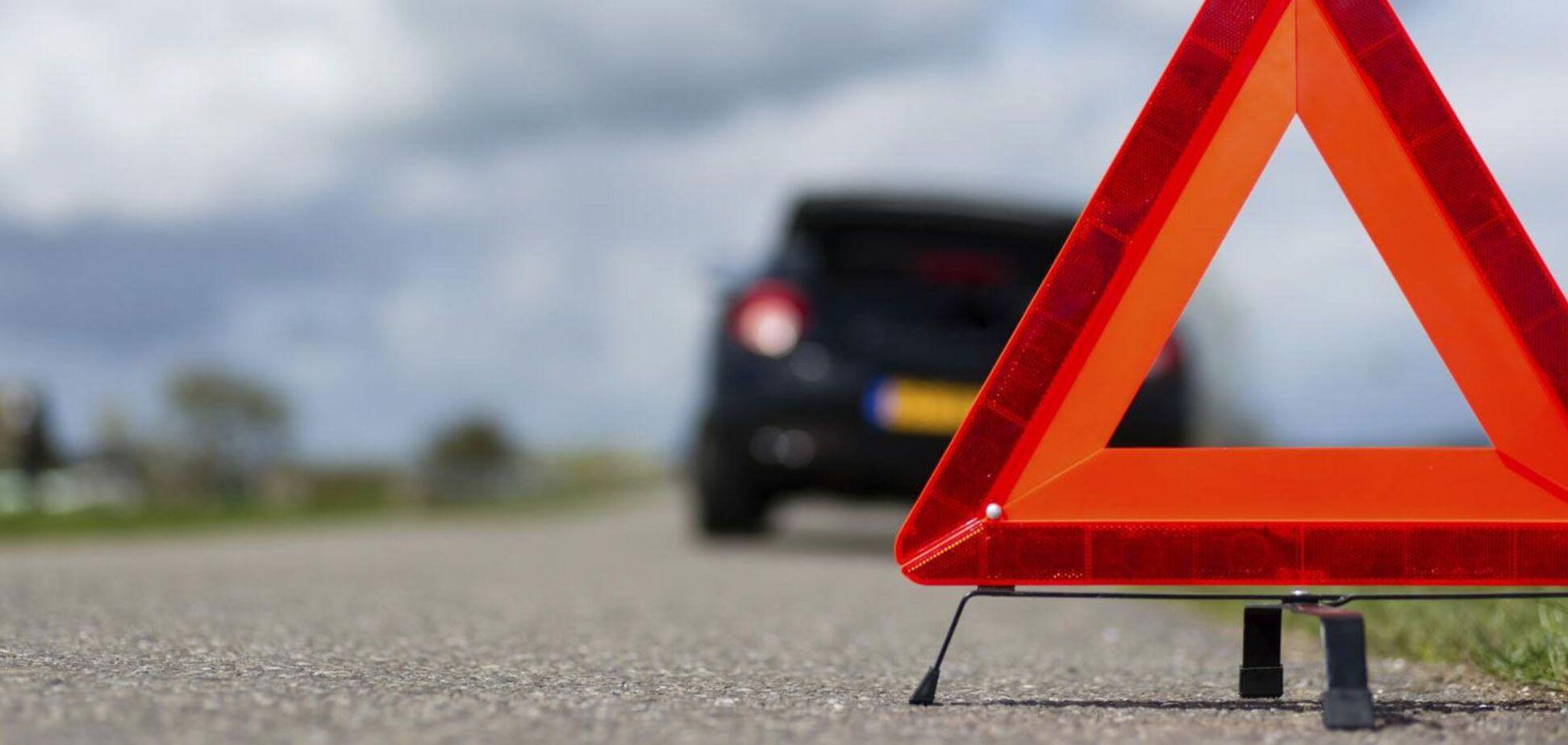 Під Дніпром зіткнулася і перекинулася 'Таврія' з Opel: є постраждалий