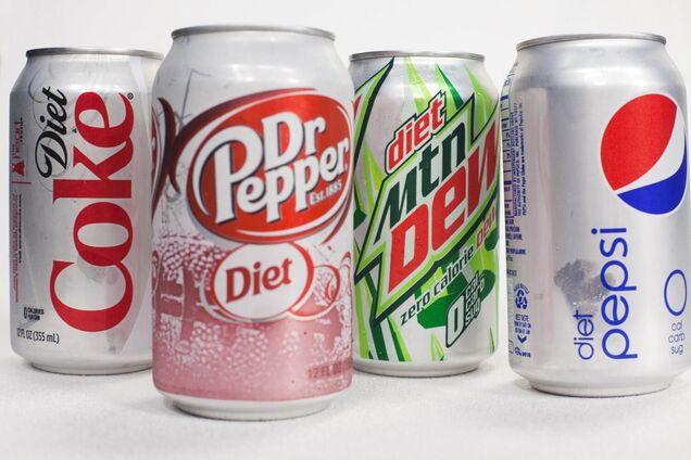 """Ученые заявили, что """"диетические"""" напитки так же вредны, как и сахаросодержащие"""
