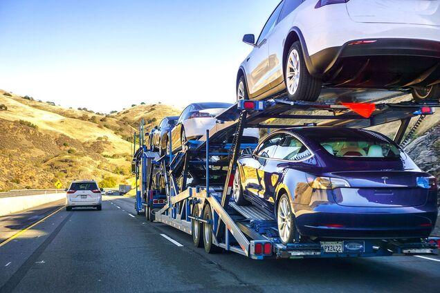 Електромобілі зрівняються за ціною з паливними авто до 2024 року – дослідження