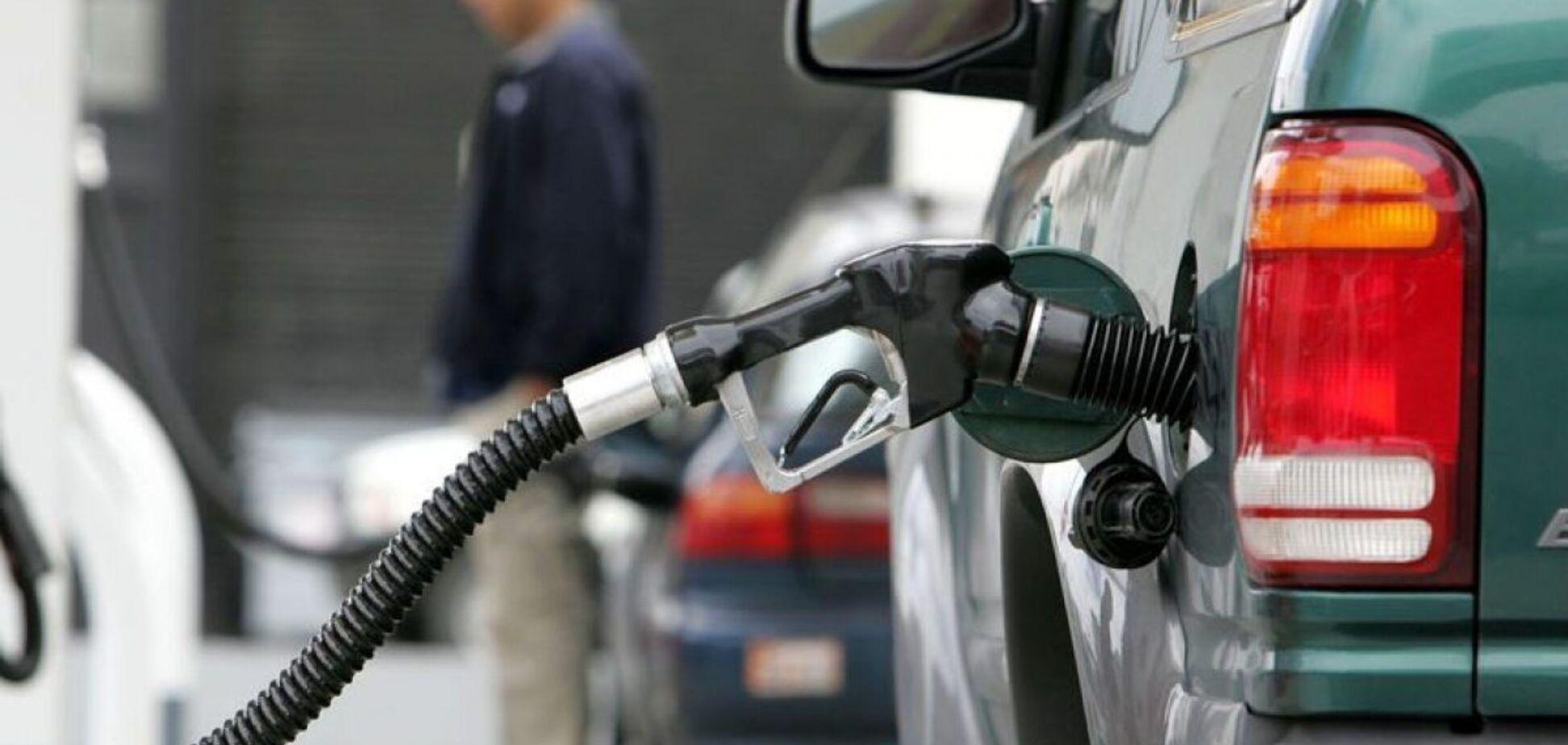 В Украину контрабандой ввозят бензин и дизтопливо на миллиарды: раскрыта схема