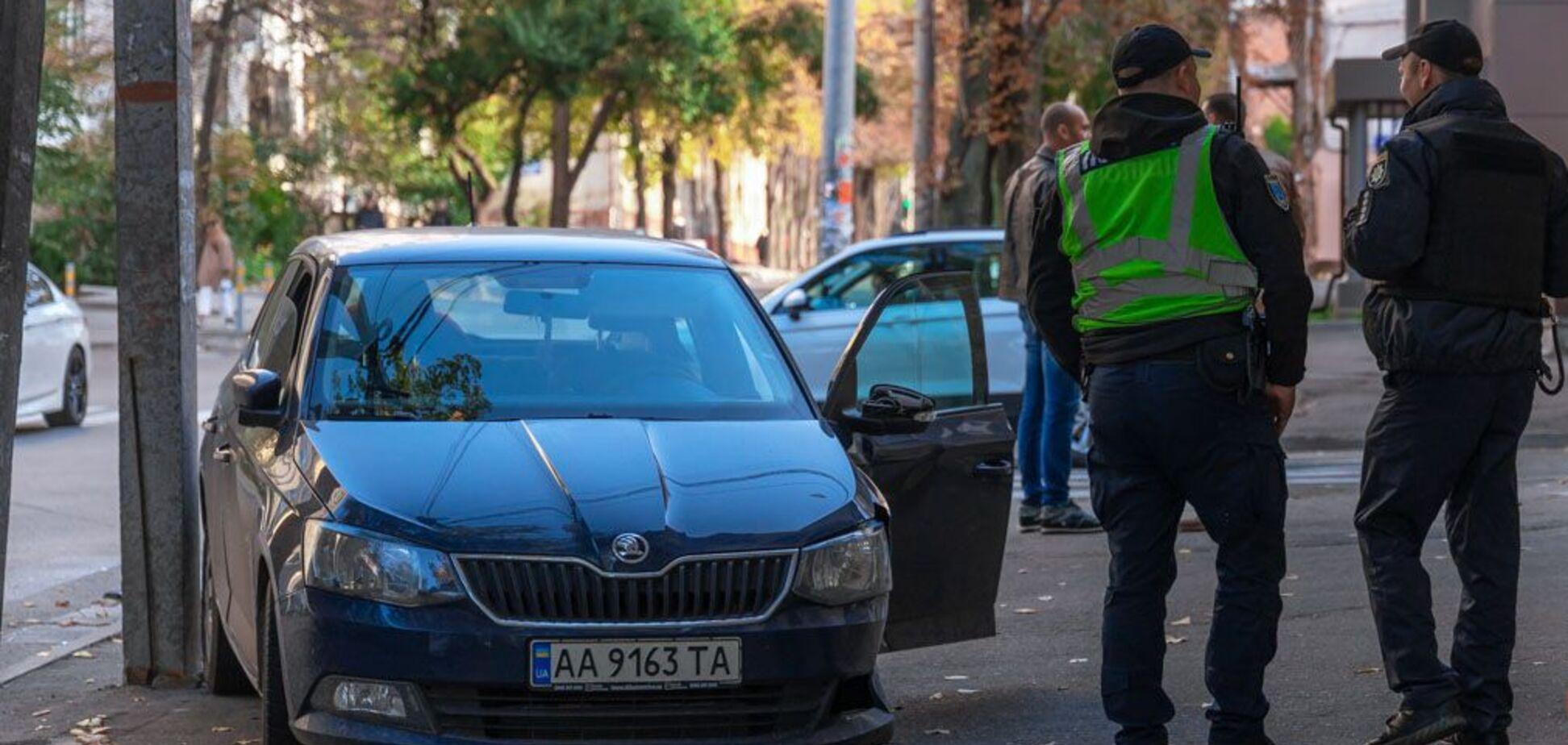 В Днепре из-за столкновения легковушек пострадали два человека. Фото с места аварии