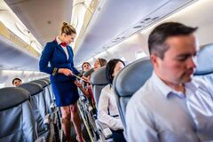 Названа самая часто пропадающая вещь на борту самолета
