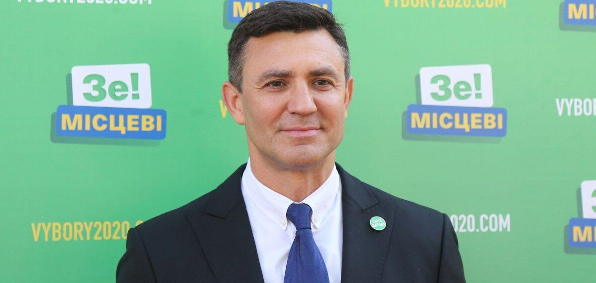 Тищенко заявив про масову скупку голосів і фальсифікації