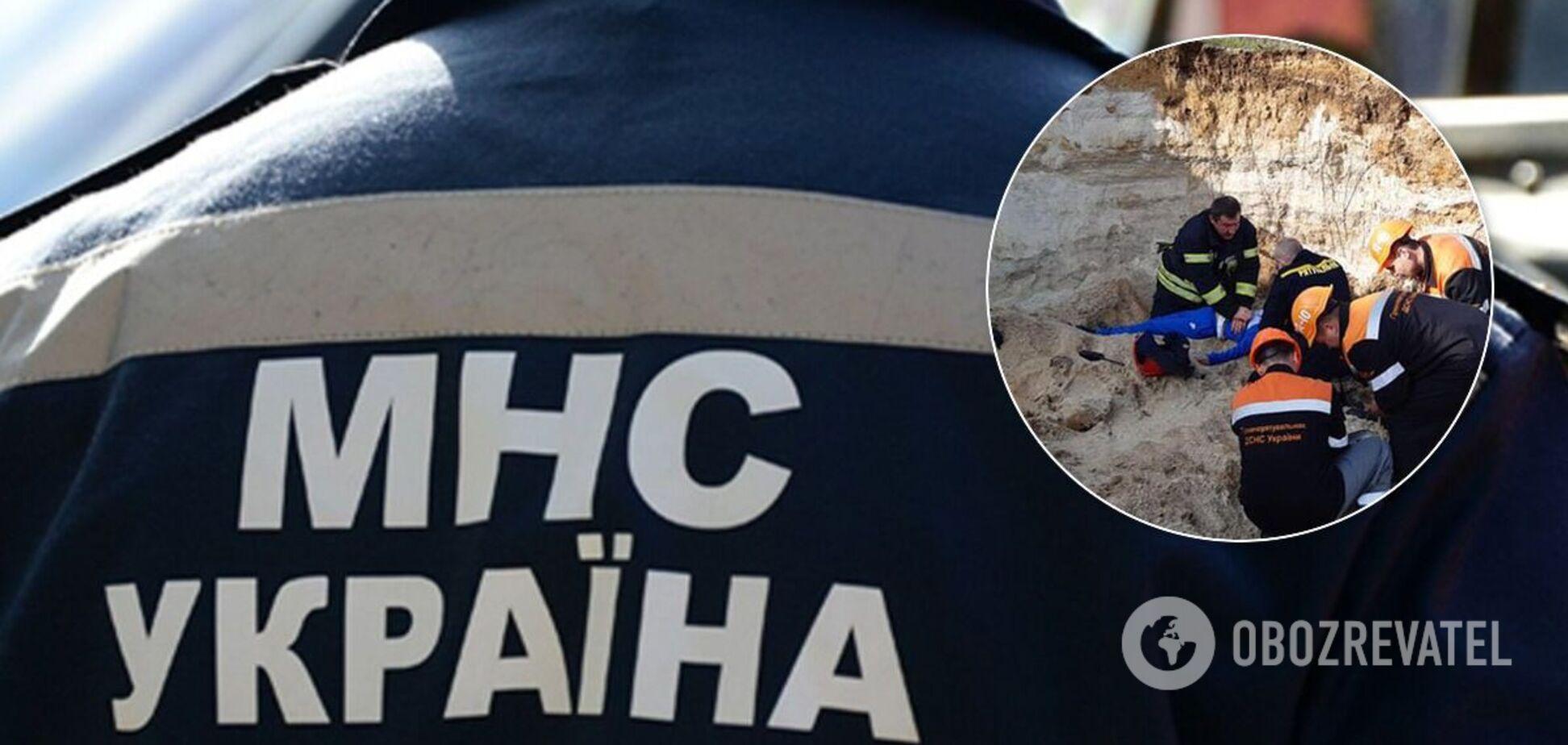 В Николаеве погиб ребенок: его засыпало грунтом