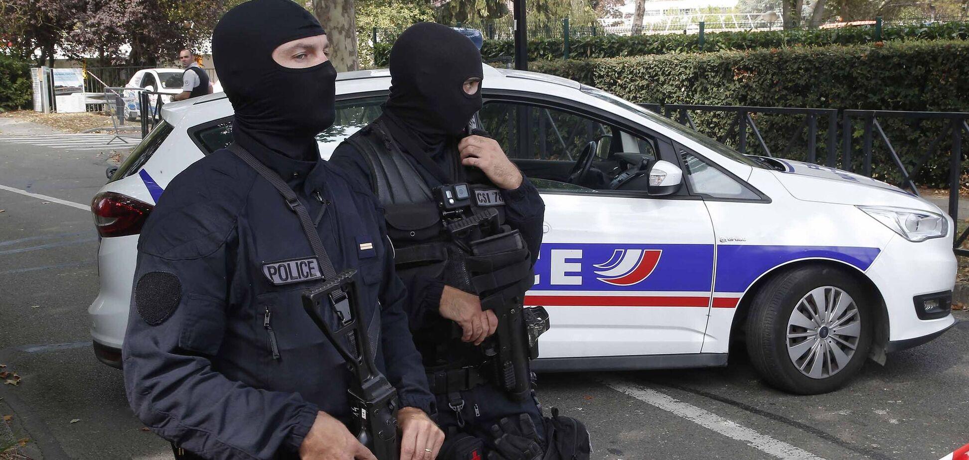 Во Франции сообщили о заминированном авто возле церкви