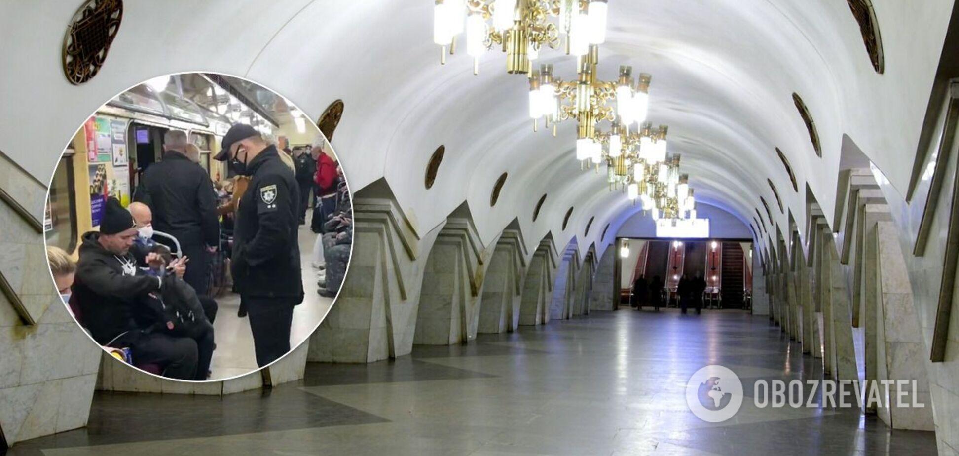 Из Харьковского метро вывели мужчину без маски