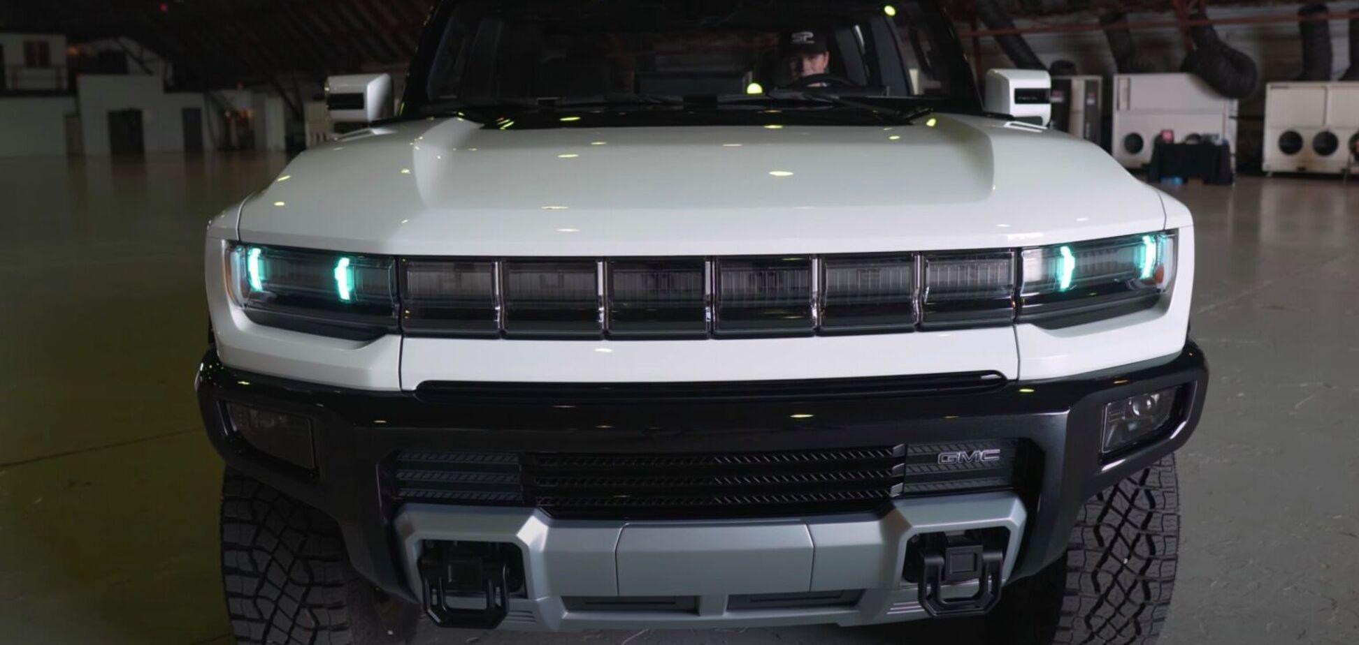 Как электромобиль Hummer выглядит вживую: новинку впервые сняли на видео