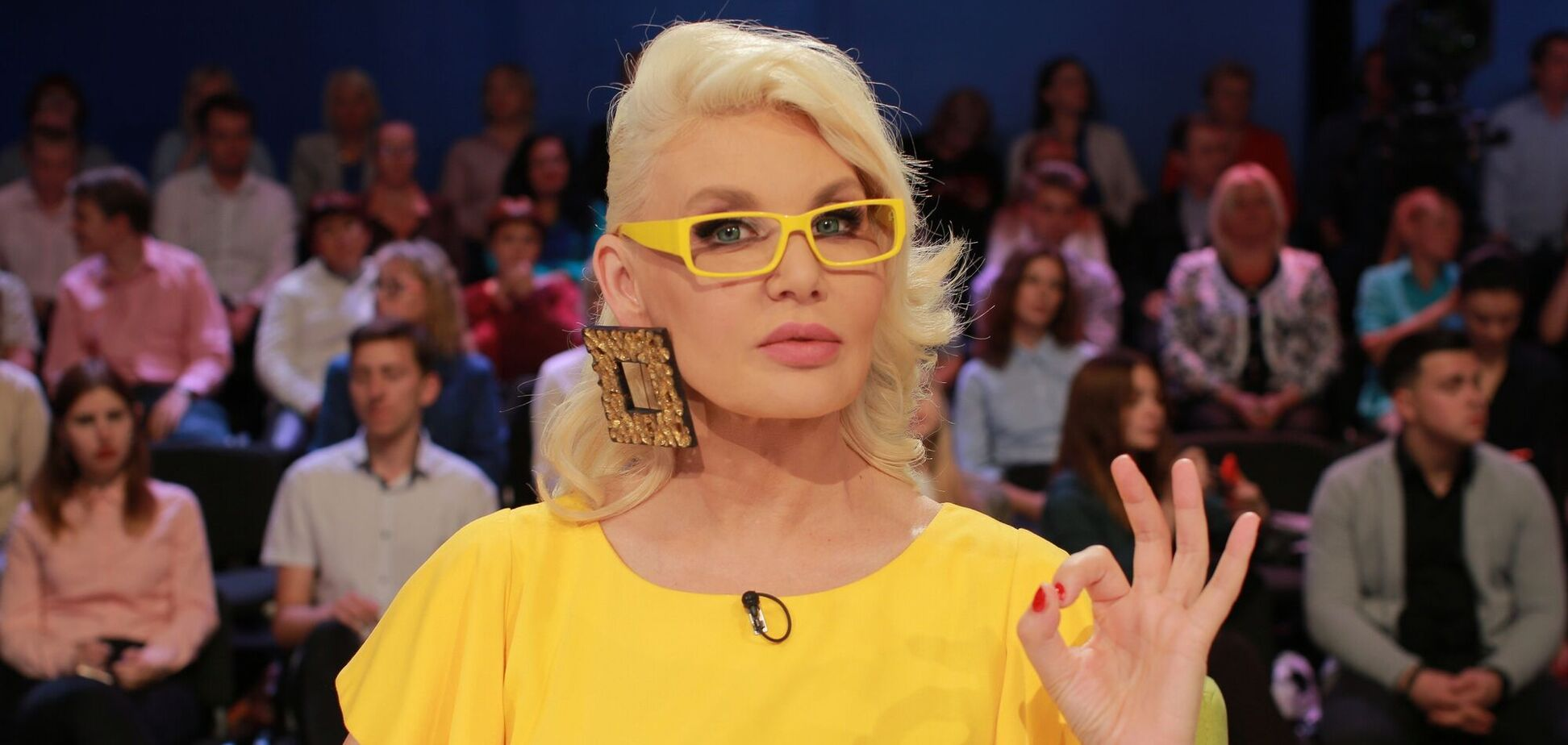 Эпатажная украинская ведущая показала свой роскошный пентхаус с люстрой за 6 тысяч долларов