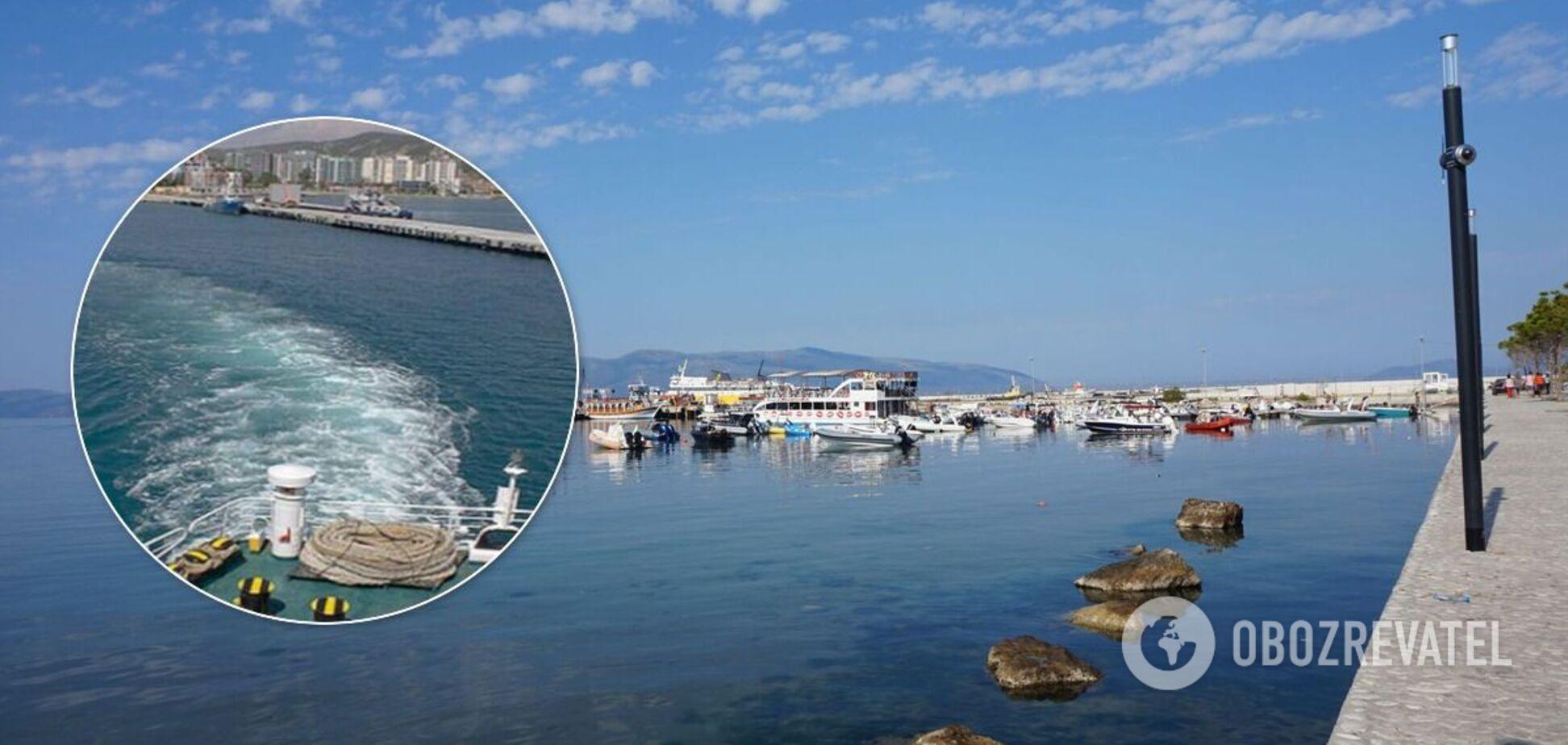 Яхту з українцями затримали в порту Албанії