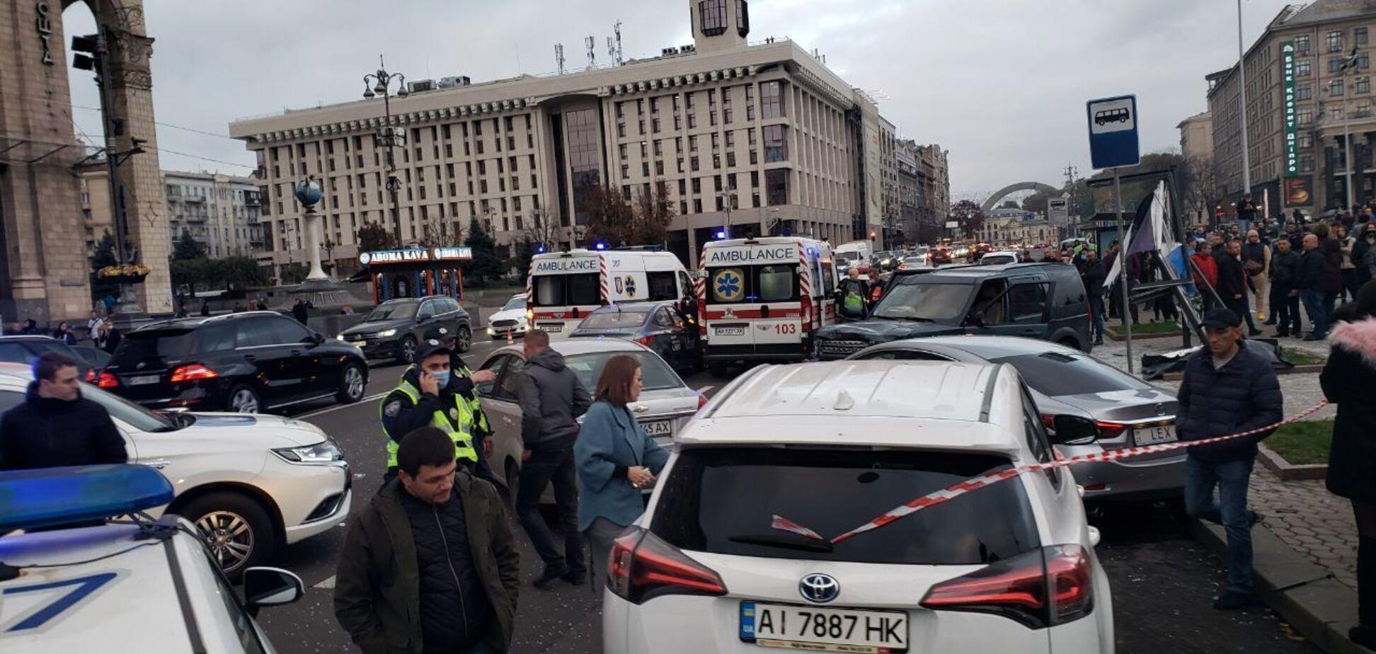 В ДТП на Майдане в Киеве пострадала семья с младенцем