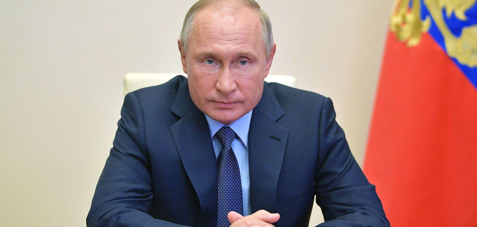 Президент Росії Володимир Путін запропонував довічне сенаторство для екс-президента