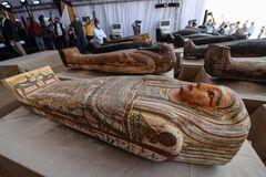 Археологи нашли в Египте 59 древних мумий, которымоколо 2600 лет