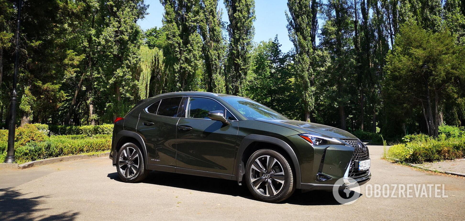 Роскошь в миниатюре: тестируем гибридный Lexus UX