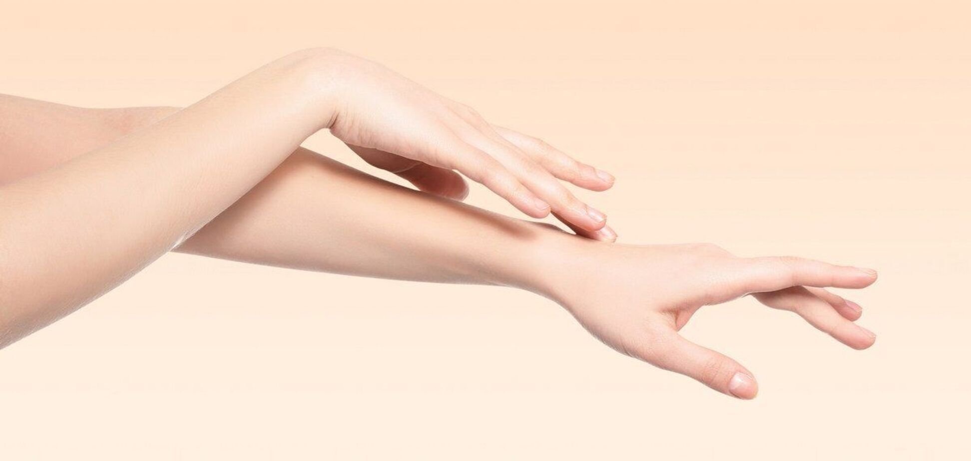 Как сосиски: 6 распространенных причин отека пальцев на руках