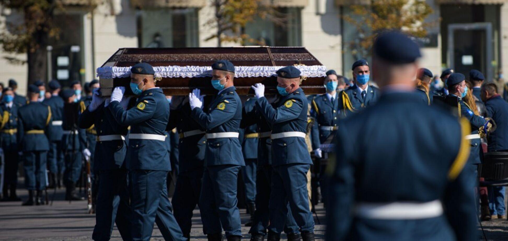 Похороны жертв катастрофы Ан-26
