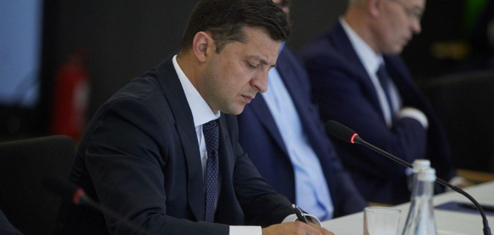 Володимир Зеленський нагородив курсантів та екіпаж з Ан-26