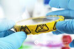 Супербактерія в лабораторії
