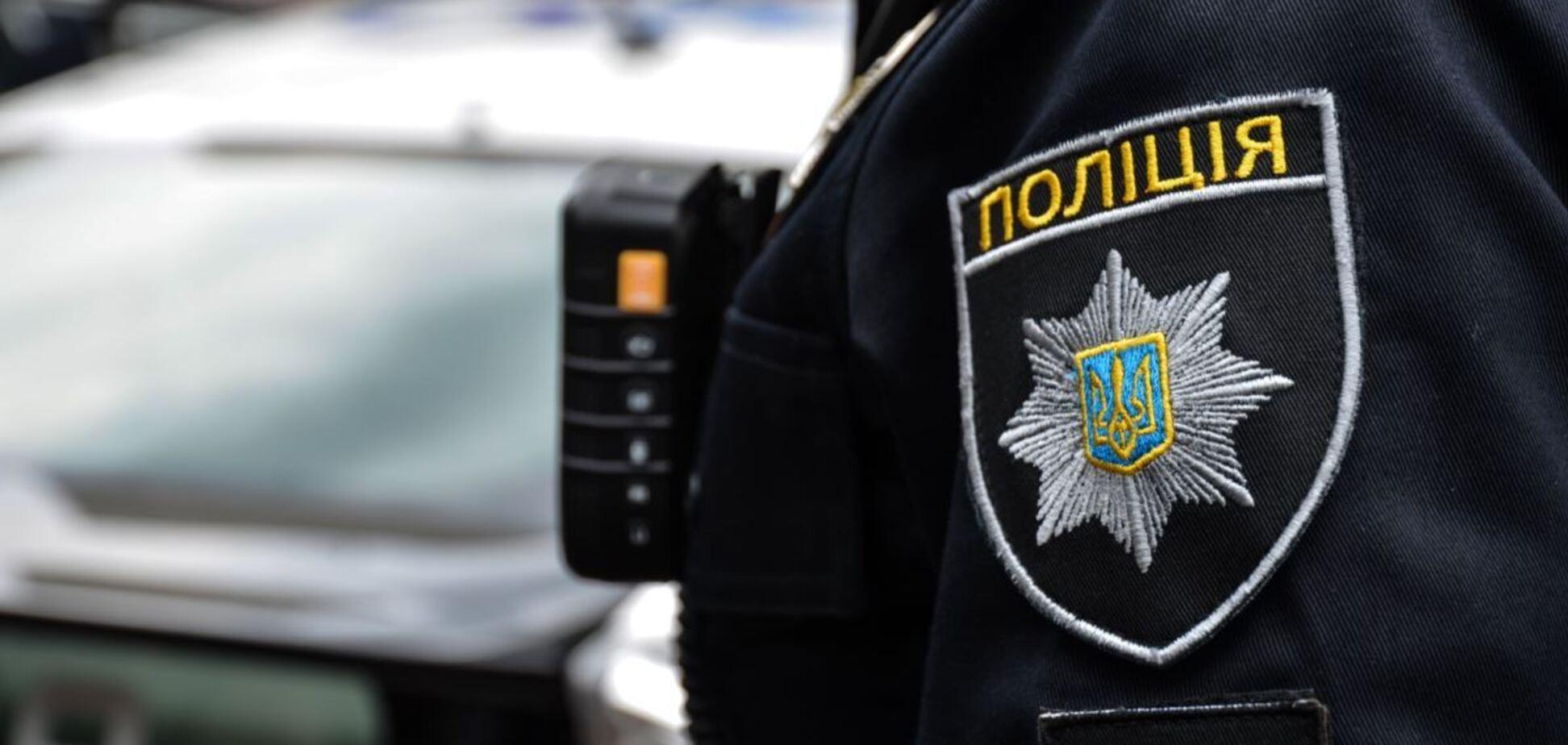 В Кривом Роге мужчина избил сотрудницу полиции