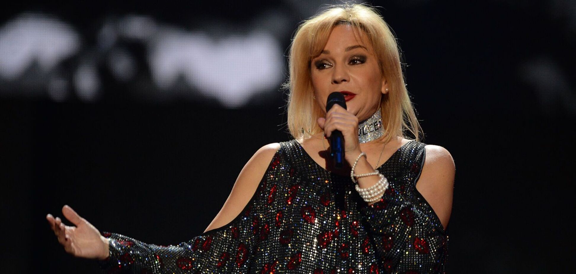 Татьяна Буланова презентовала песню с группой 'Электрослабость'