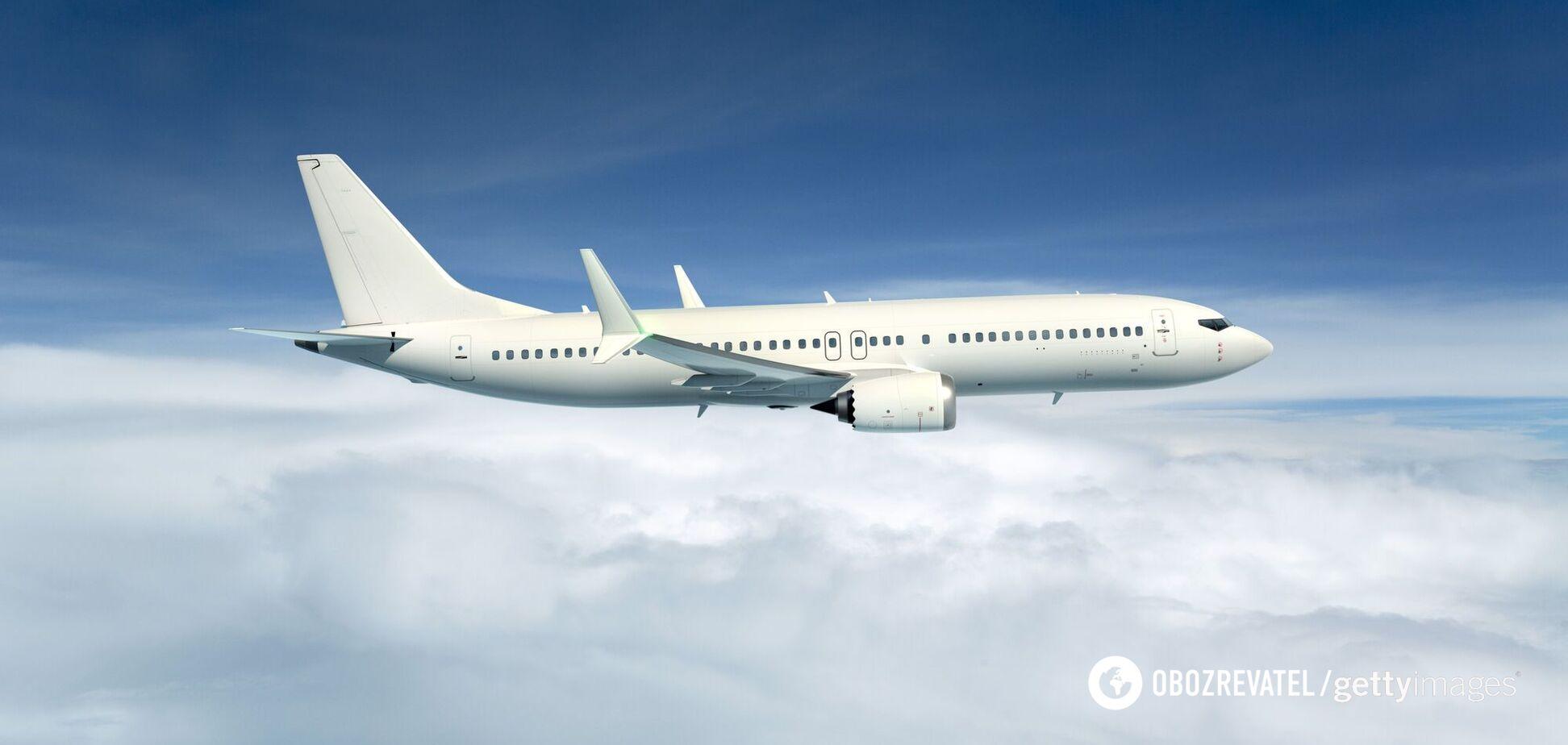Психолог розповів, що робити в разі страху під час польоту