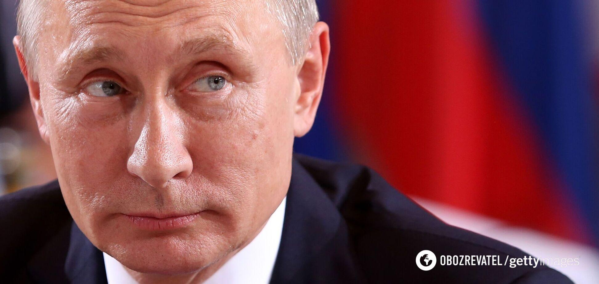 Путін сміється санкціям в обличчя