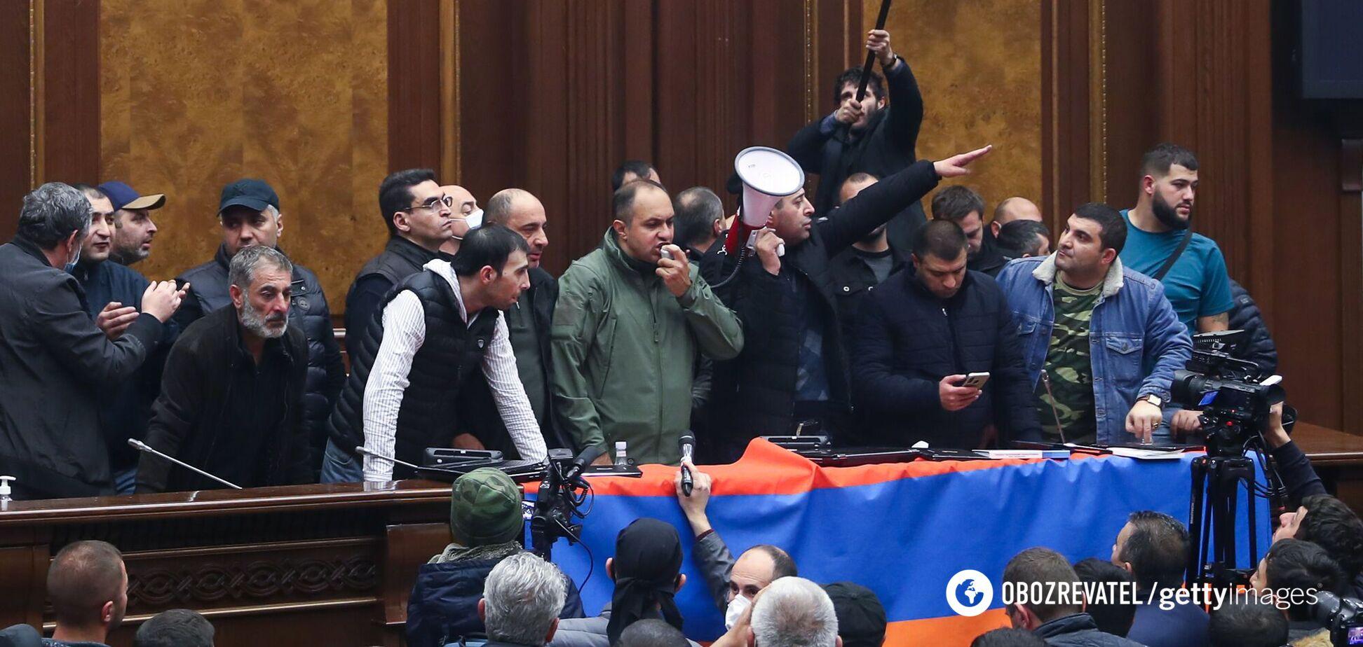 У Вірменії опозиція спробує скасувати рішення про припинення війни в Карабасі