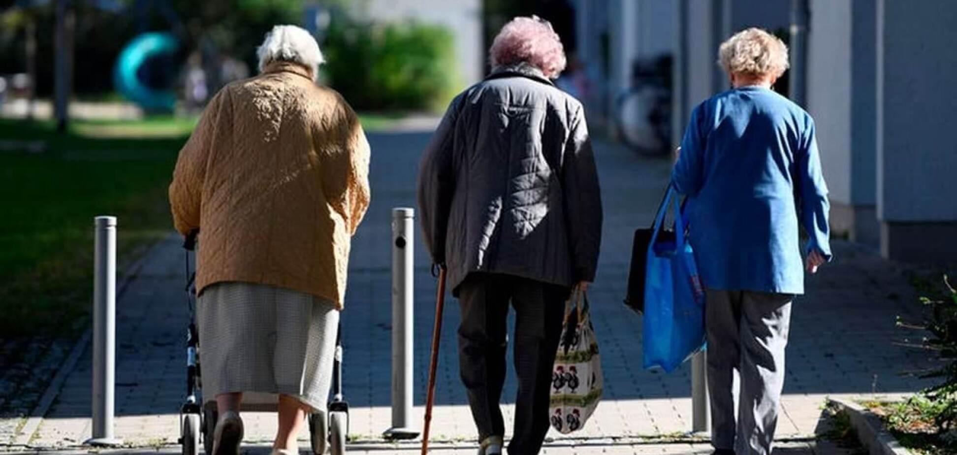 Самоизоляция – беда для пожилых людей: как им помочь