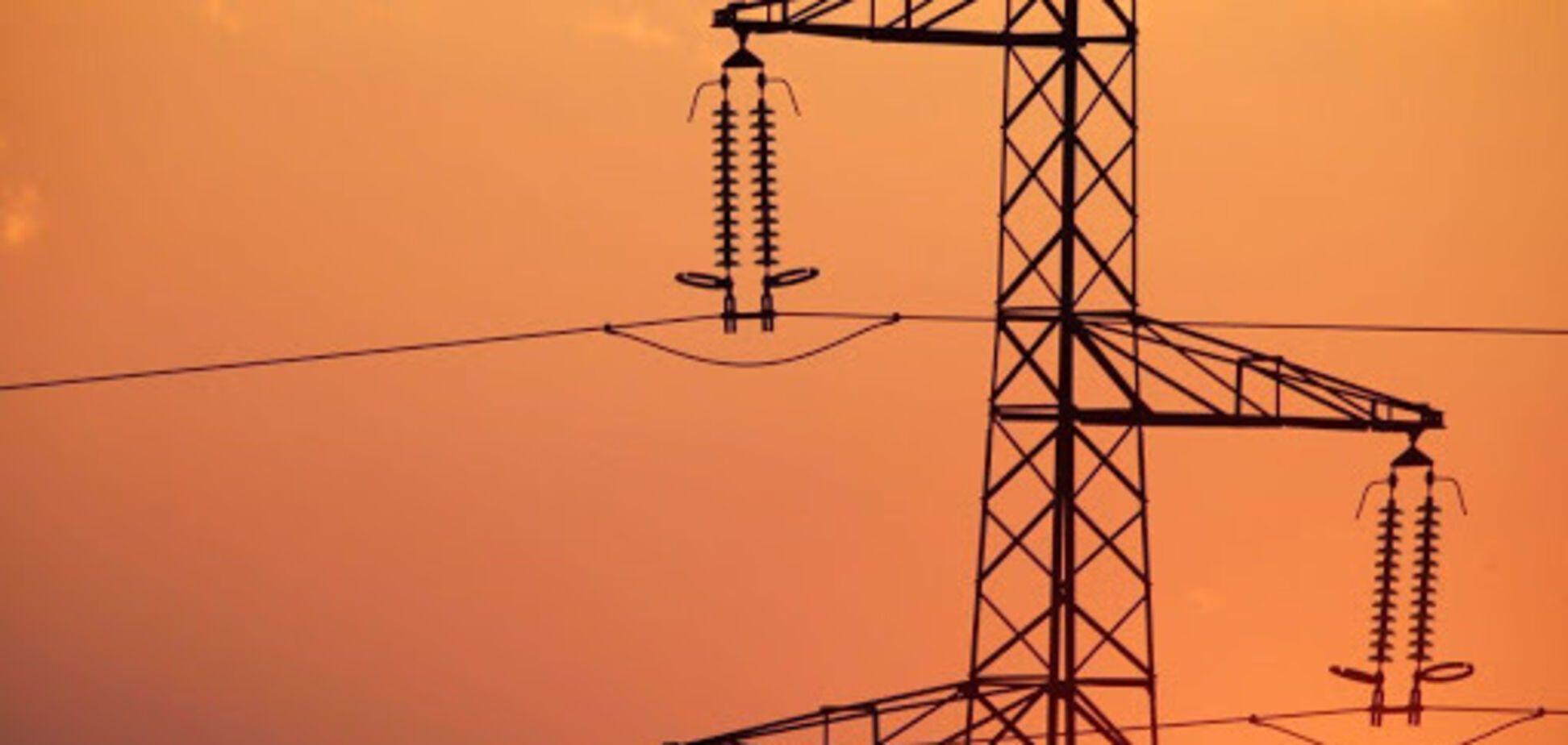 Коливання оптових цін на електроенергію спричиненесезонним зростанням споживання