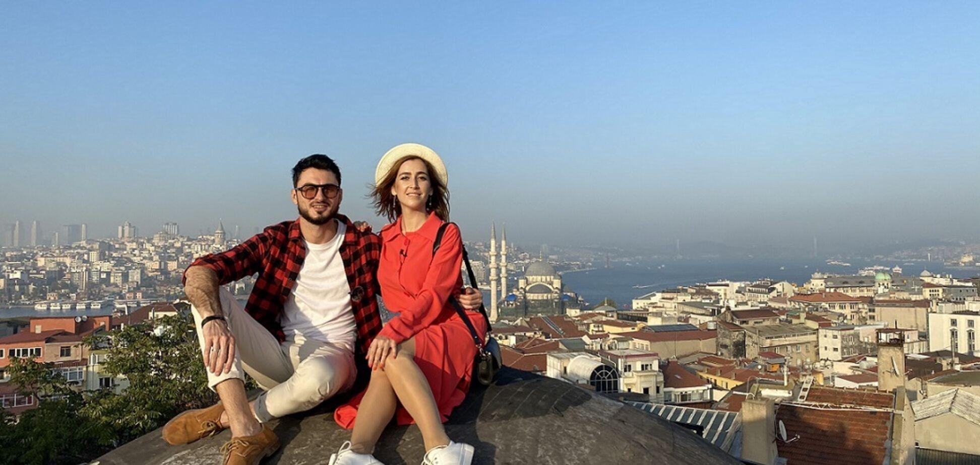 Українські ведучі показали найвідоміший дах у Стамбулі