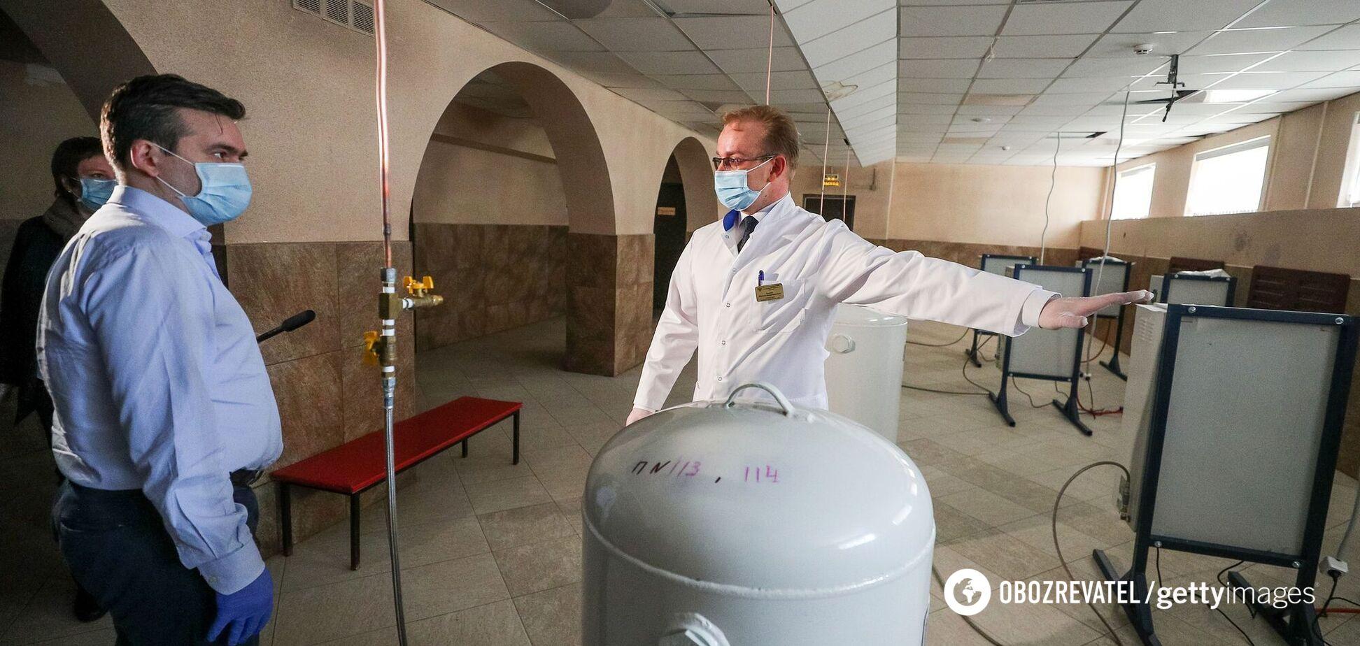 Журналіст за годину знайшов удвічі дешевші концентратори, ніж закупила лікарня. Фотофакт