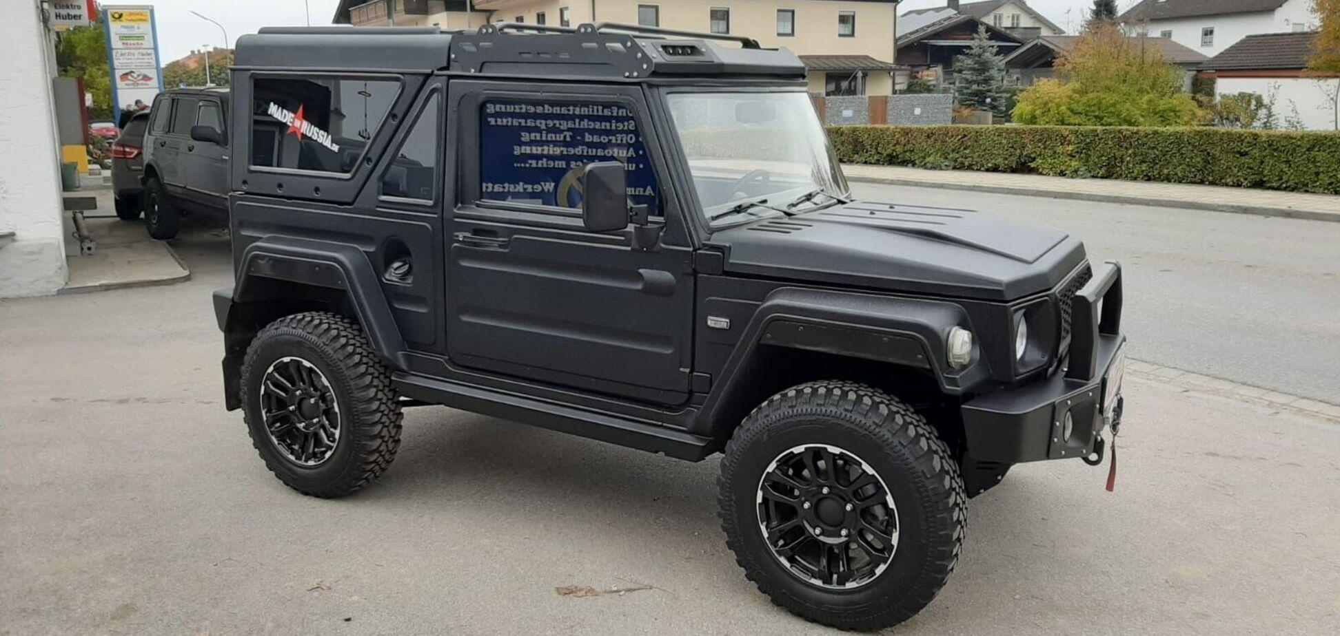 Пластиковий російський позашляховик продають у Німеччині за 19 990 євро