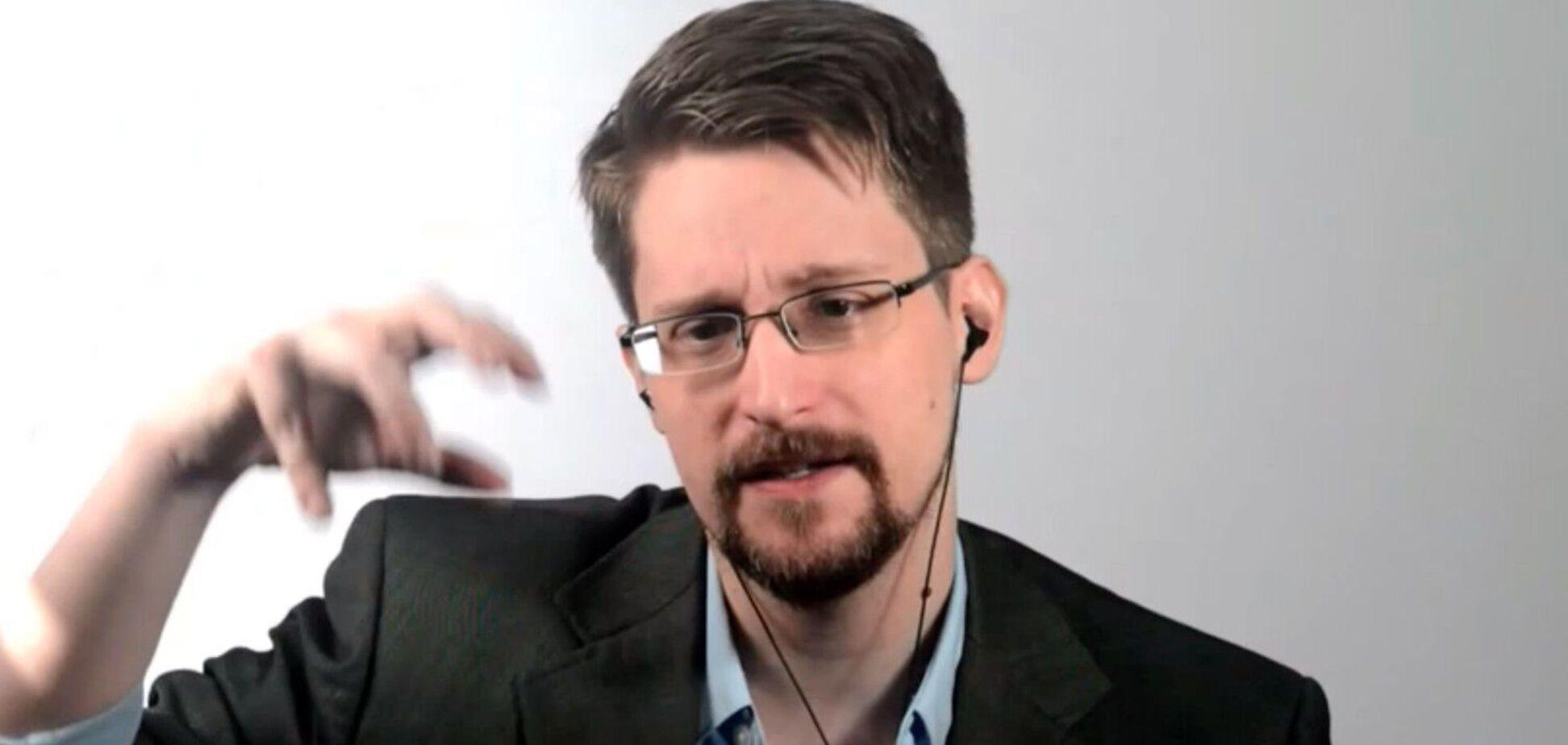 Едвард Сноуден утік із США і живе в Росії