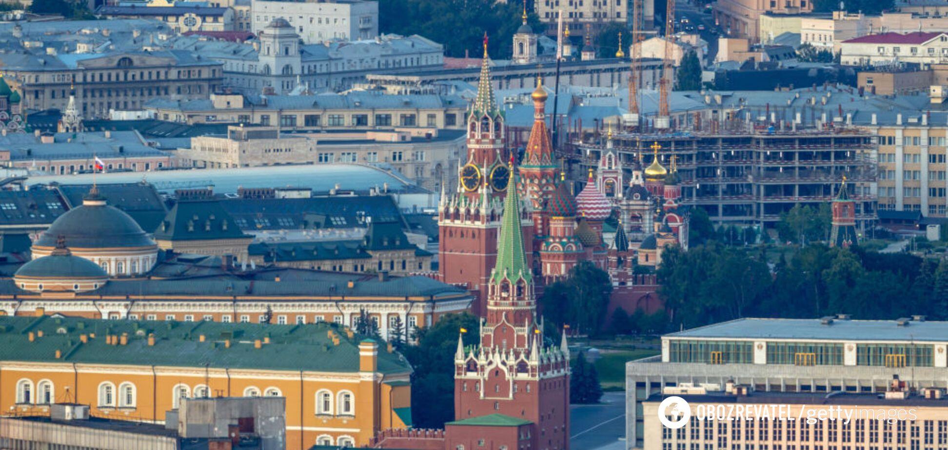В Кремле деды развоевались не на шутку