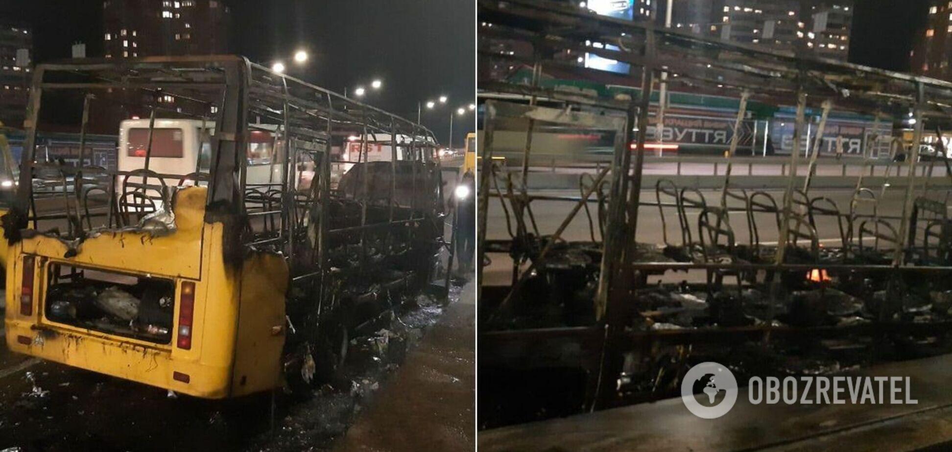 У Києві за секунди спалахнула маршрутка біля метро. Відео