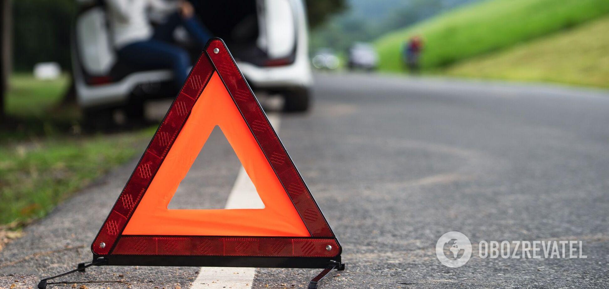 Водій Nissan нібито не поступився дорогою Mercedes