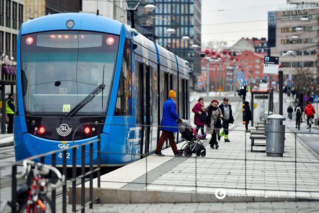 Защитные маски в Швеции до сих пор носят единицы