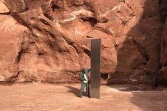 В пустыне Юты найден металлический монолит неизвестного происхождения
